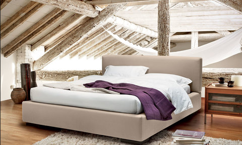 Jeannine bed with lining of leather, techno-leather or cloth