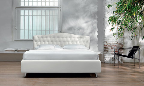 Dream Capitone Bed with substrate and modern quilted headboard